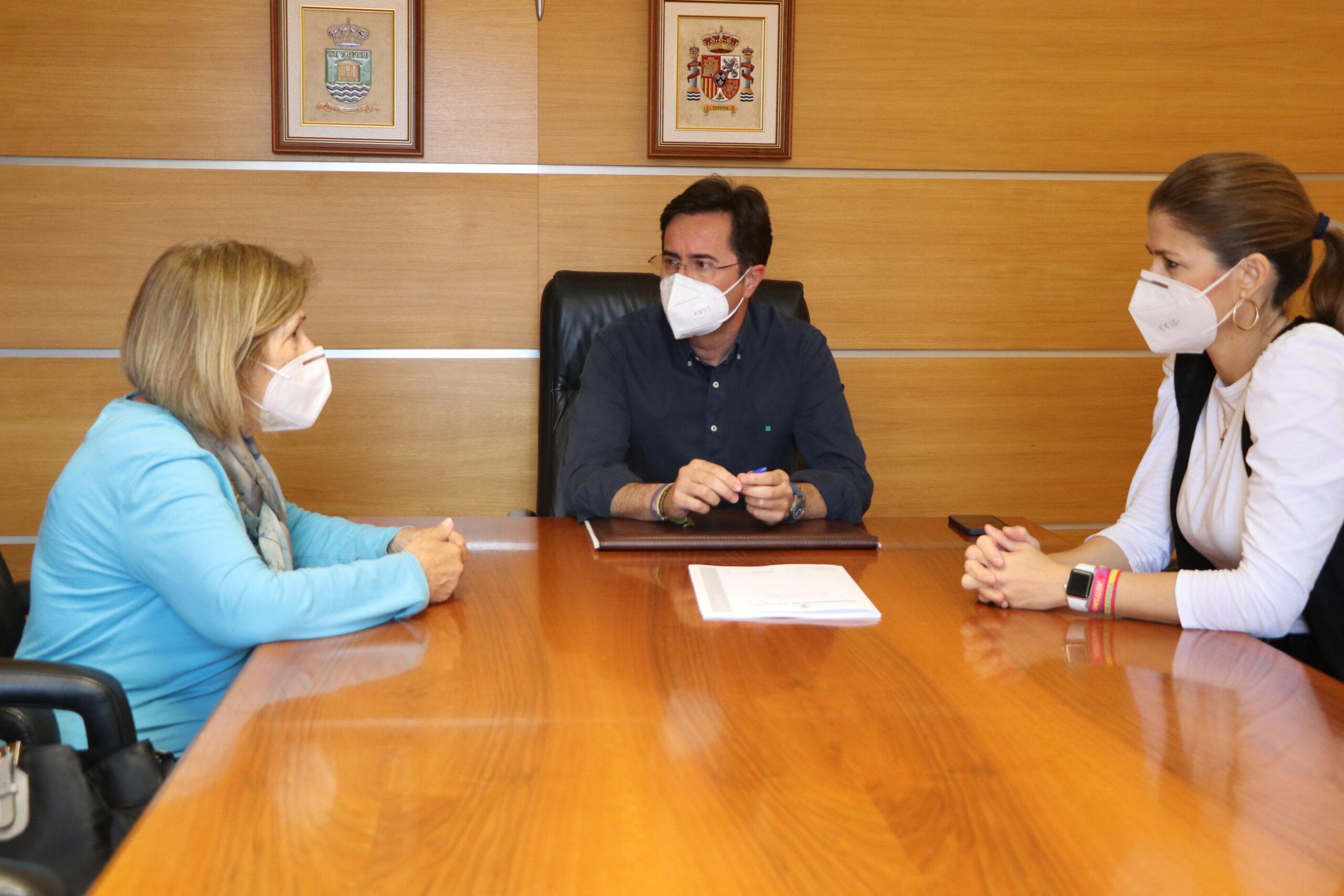 El Ayuntamiento firma dos convenios de colaboración con ASPERGER Almería para asesoramiento psicológico y jurídico y apoyo de comunicación