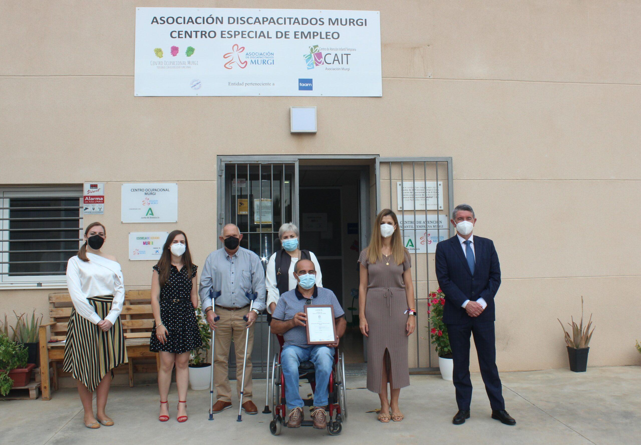 La Asociación Comarcal de Discapacitados Murgi obtiene el sello de calidad AENOR en los servicios que presta dentro del Centro de Día, en Orientación Sociolaboral y en Ordenación de Aparcamientos y Central de Accesos